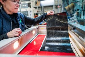 Maßgeschneiderte Displays, um sich abzuheben - 3D-Logos für POS-Displays und Zierteile